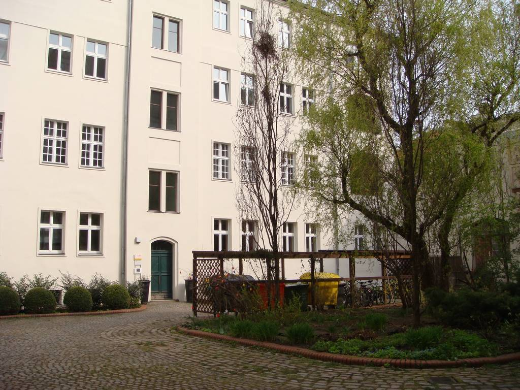 Hof Planckstrasse 2012-04-15