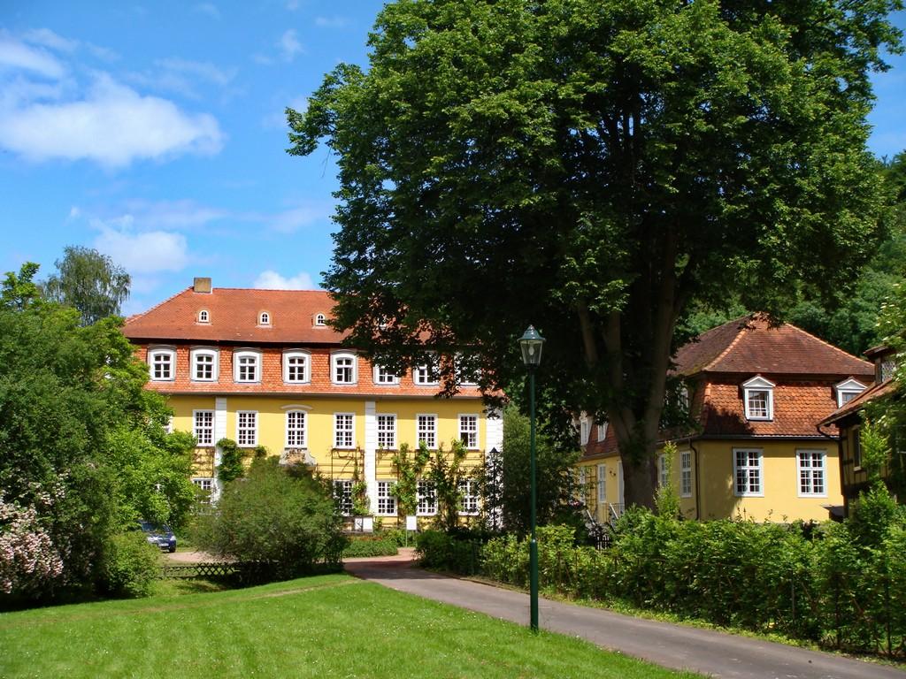 Vor dem Visser 't Hooft Haus